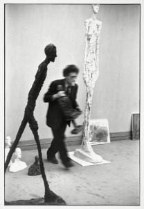 Henri Cartier-Bresson (1908 - 2004)  Alberto Giacometti, Paris 1961 Epreuve gélatino-argentique 40 x 30 cm Don de l'artiste, 1997